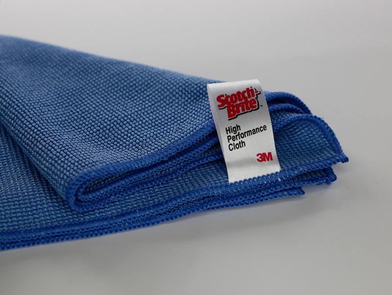 Scotch-Brite High Performance cloth used for cleaning specimens prior to microscopic examination.
