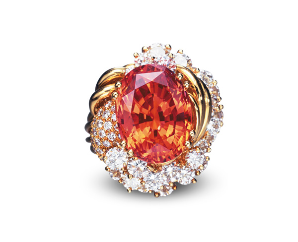 The above stone is a fine example of a padparadscha sapphire. Weighing 20.84 ct, it sold in 2005 for US$374,400. Photo © Christie's