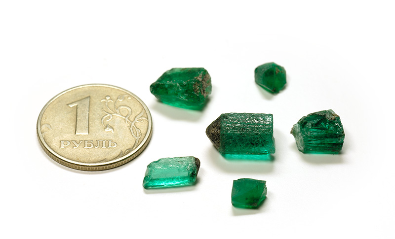 A group of emerald crystals from Russia's Malysheva emerald mine. Specimens courtesy of Tsar Emeralds Corp.; photo: Wimon Manorotkul